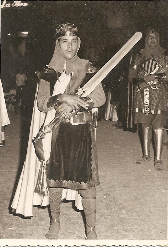 Alfonso Martinez Hernandez en las fiestas de villena año 1956